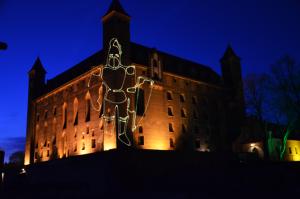 LaserSync pokaz graficzny Zamek Gniew